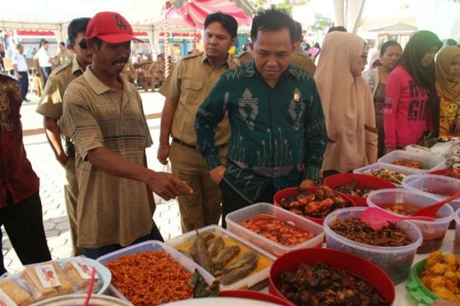 750x500-pemkab-tanah-bumbu-gelar-pasar-wadai-ramadan-1606070