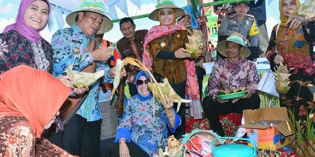 Festival Kupatan Tanjung Kodok Lamongan 2016