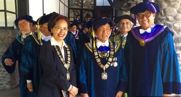 Bupati Bantaeng Nurdin Abdullah Terima Penghargaan Ganesa Praja Manggala Adiutama dari ITB