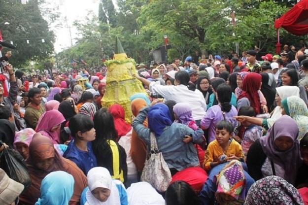 Tradisi Babarit Kabupaten Kuningan