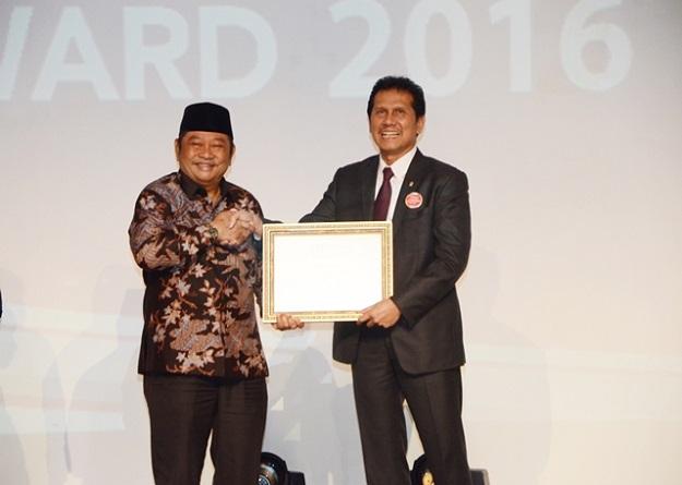 kabupaten-sidoarjo-terima-award-kabupaten-terbaik-versi-tempo